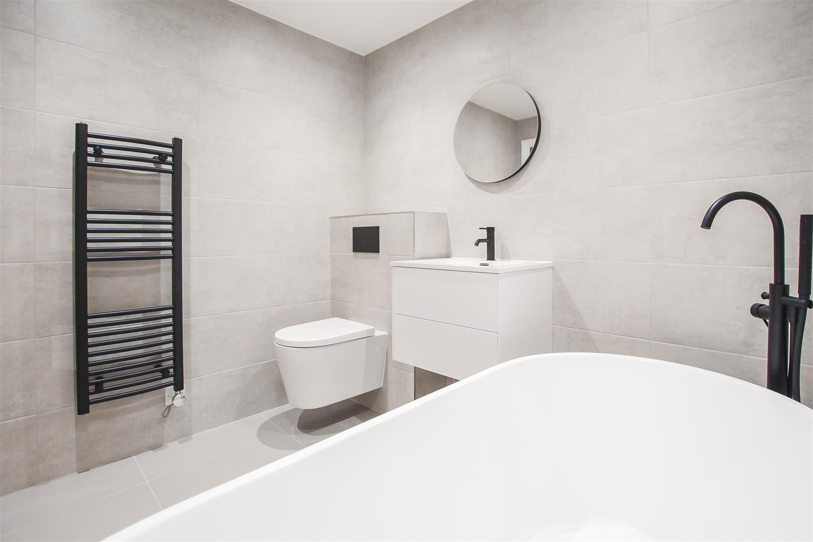 2 Bedroom Apartment For Sale - Image 17